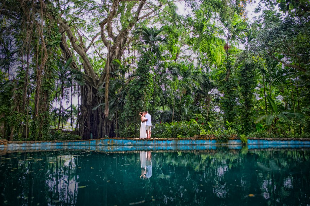 Wondering where to start with the big questions? Or simply looking for the best big picture checklist for your photography questions? Look no further, we have 13 of the best tips for destination wedding photography right here.