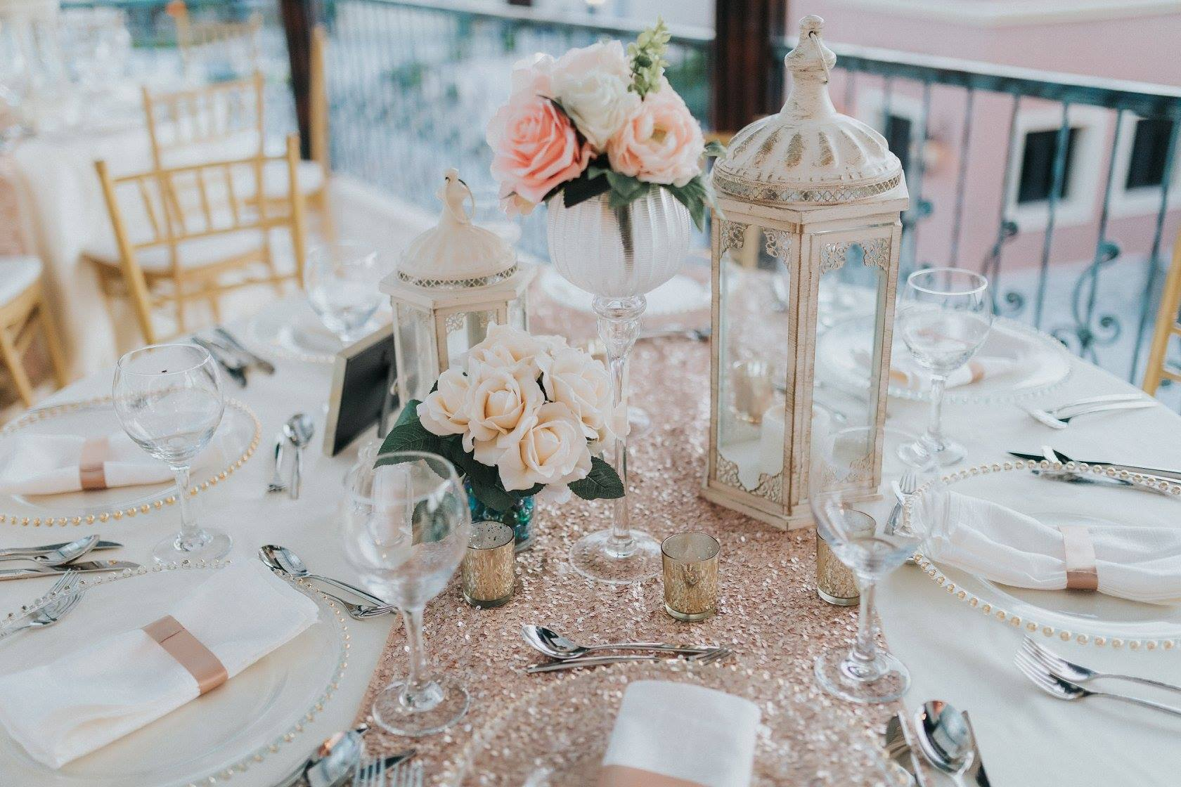 Elegant-Rose-Gold-Wedding-Decor-Punta-Cana