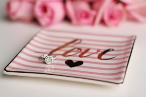 10-engagement-announcement-ideas-we-love