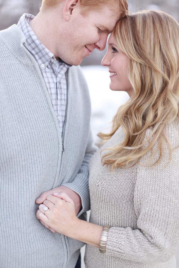 Holiday-Engagement-Announcement-Ideas